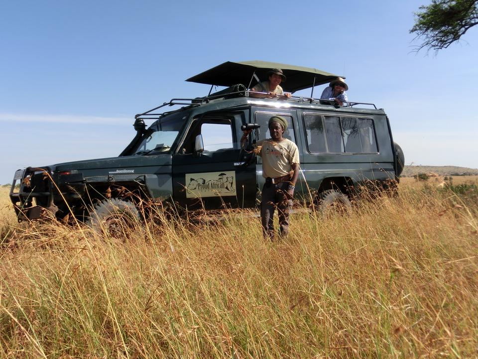 Sarfari Vehicale | Expert Naturalist Guides, Tanzania Safari - Proud African Safaris